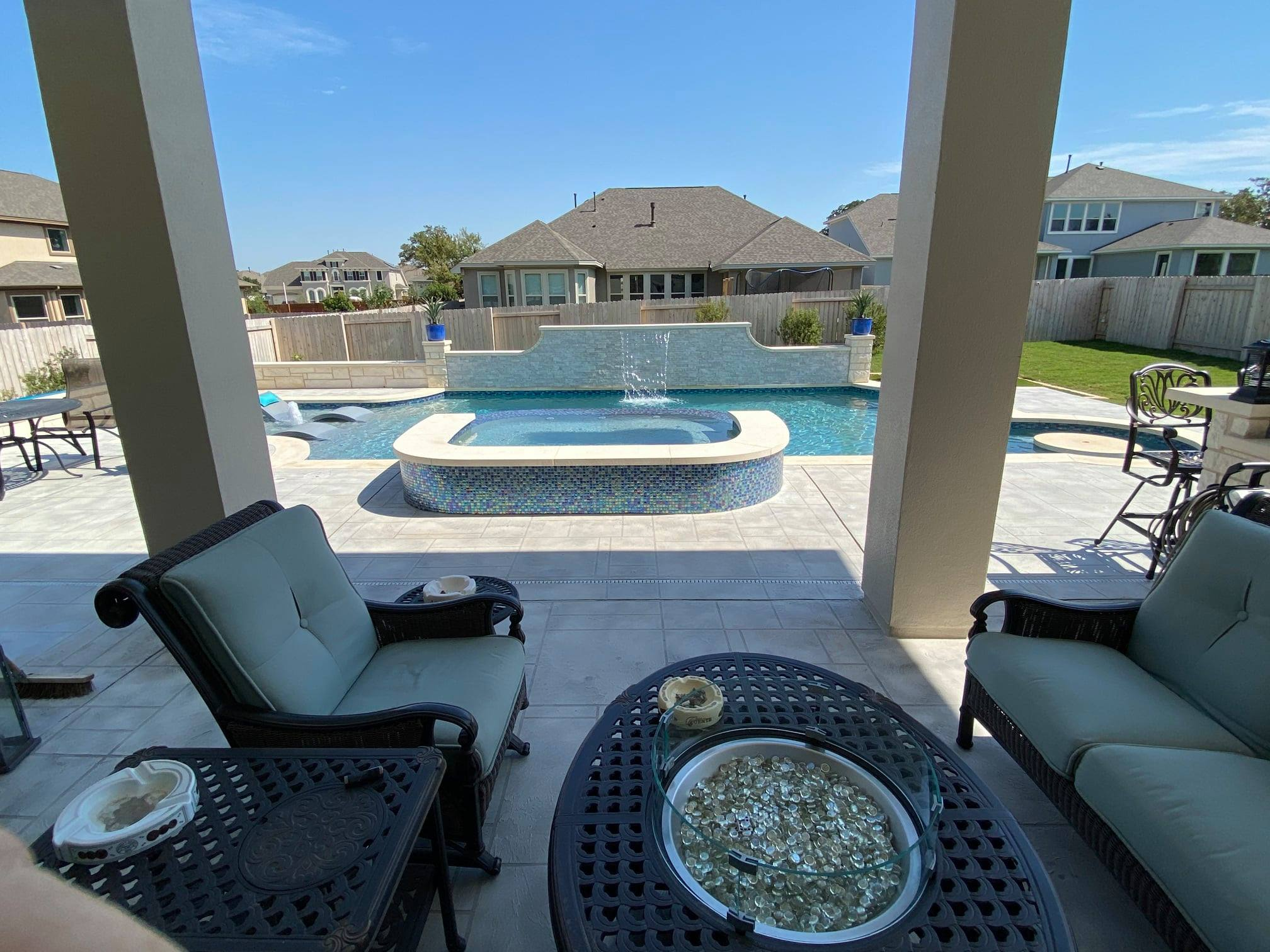 Leander party pool and spa